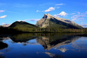 mount-rundle-and-vermillion-lake-vickie-emms
