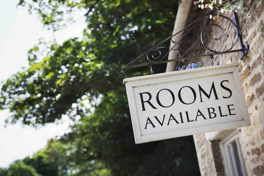 Rooms Available Sign